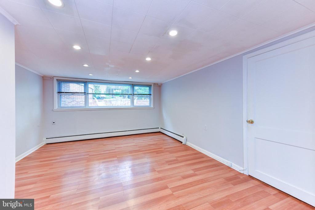 Basement Living Room - 1503 N EDISON ST, ARLINGTON