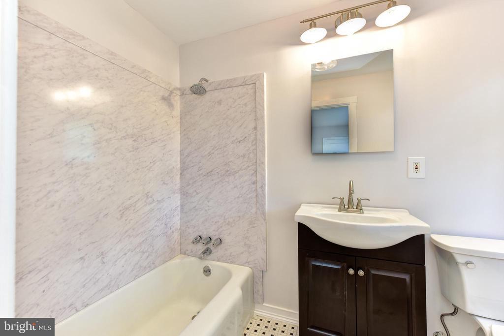 Master Bath - 1503 N EDISON ST, ARLINGTON