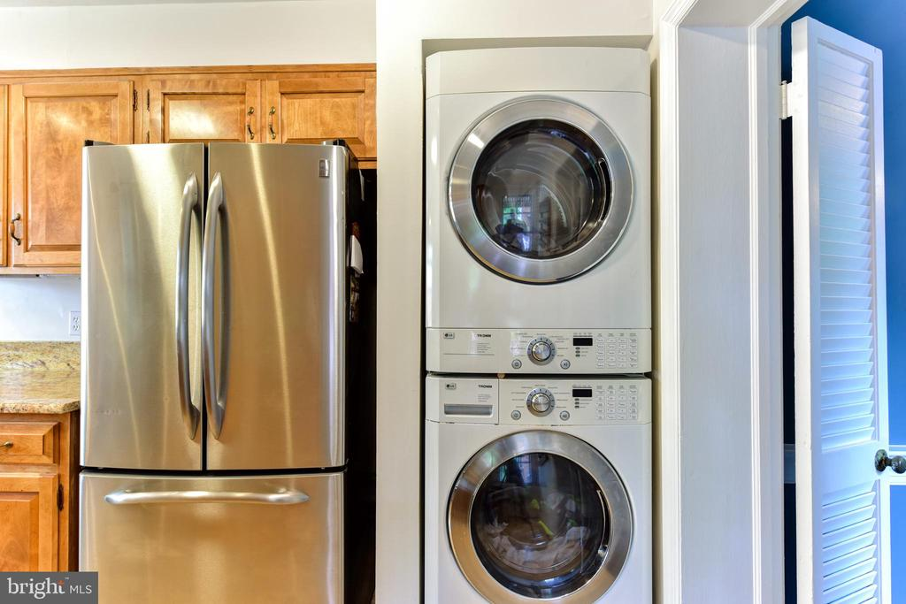 Laundry 1 - 1503 N EDISON ST, ARLINGTON