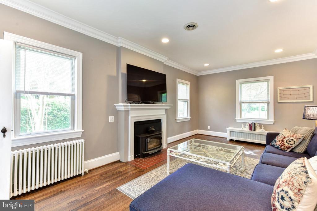Living Room - 1503 N EDISON ST, ARLINGTON