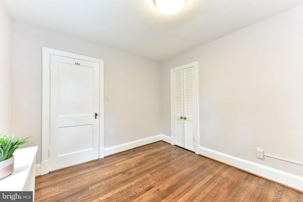 Upstairs Bedroom 2 - 1503 N EDISON ST, ARLINGTON