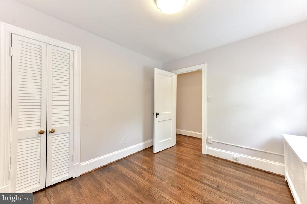 Upstairs Bedroom 3 - 1503 N EDISON ST, ARLINGTON