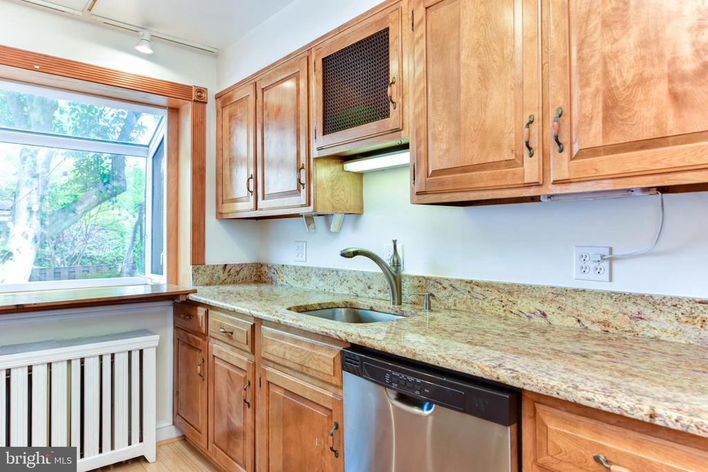 Kitchen - 1503 N EDISON ST, ARLINGTON