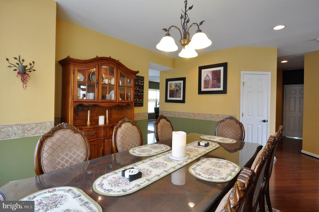 Formal dining room - 61 CHAPS LN, FREDERICKSBURG