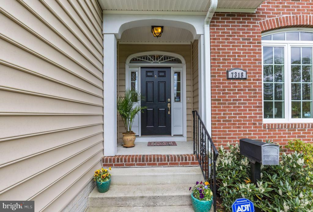 Front entry - 7318 EDMONSTON RD, COLLEGE PARK