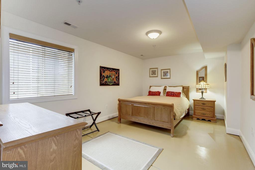 Basement bedroom #5 - 7318 EDMONSTON RD, COLLEGE PARK