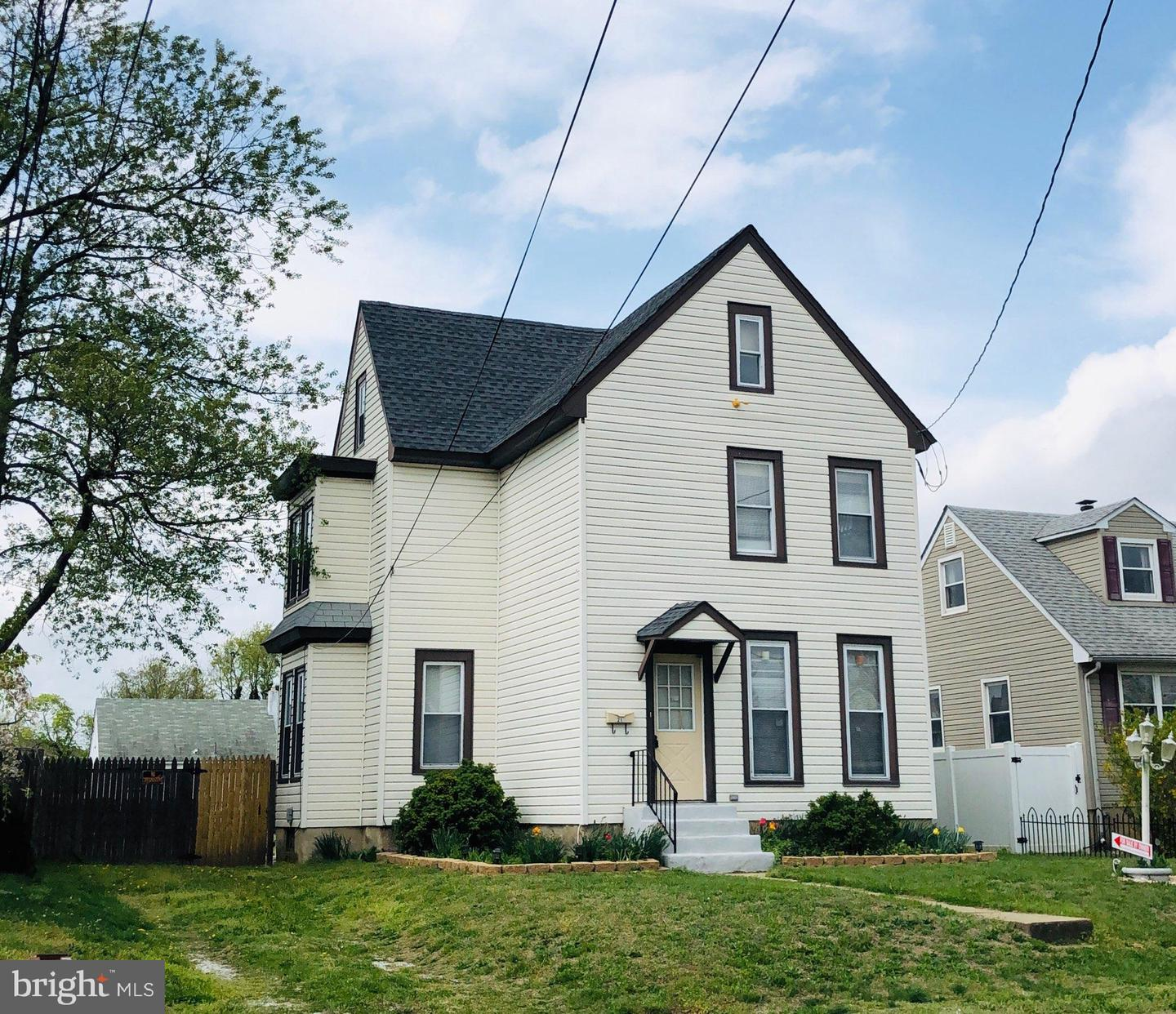 Single Family Homes for Sale at Paulsboro, New Jersey 08066 United States