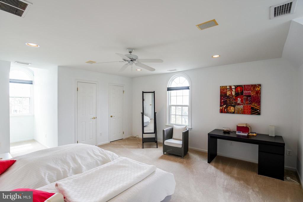 Bedroom Suite #3 - 5708 TRAFTON PL, BETHESDA