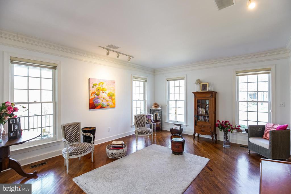 Formal Living Room - 5708 TRAFTON PL, BETHESDA