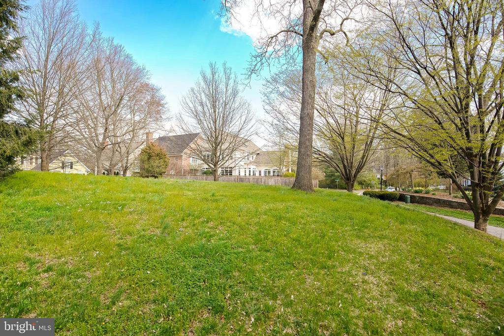 Sought After Double Lot - 5708 TRAFTON PL, BETHESDA