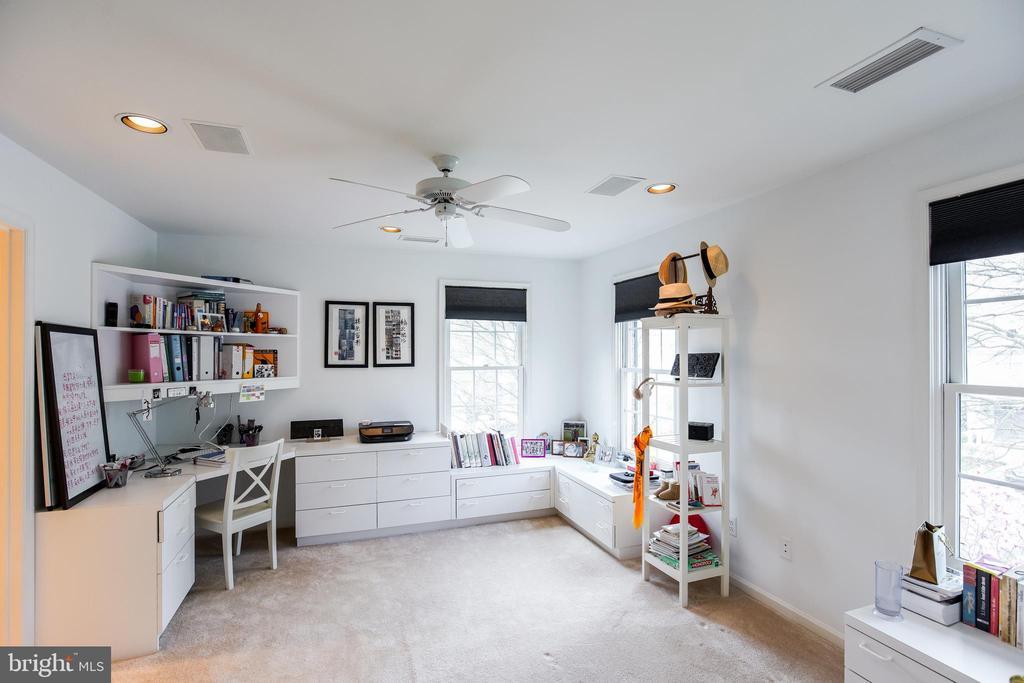 Bedroom Suite #4 - 5708 TRAFTON PL, BETHESDA