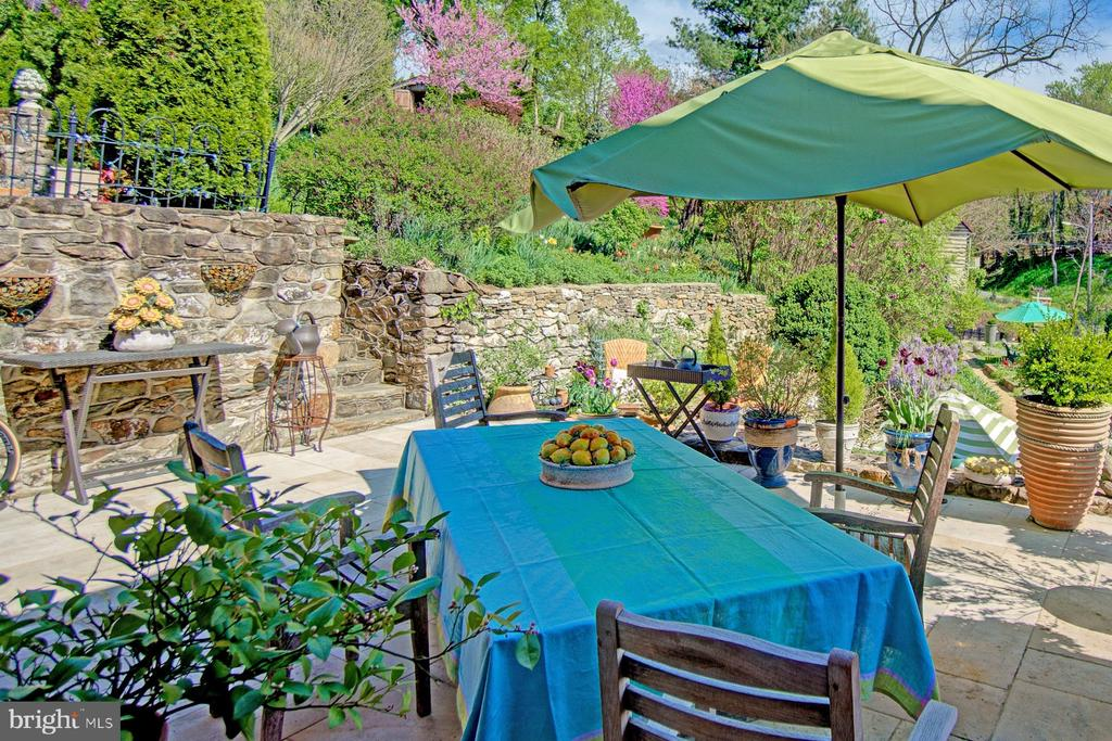 Terrace overlooking tiered gardens - 40174 MAIN ST, WATERFORD