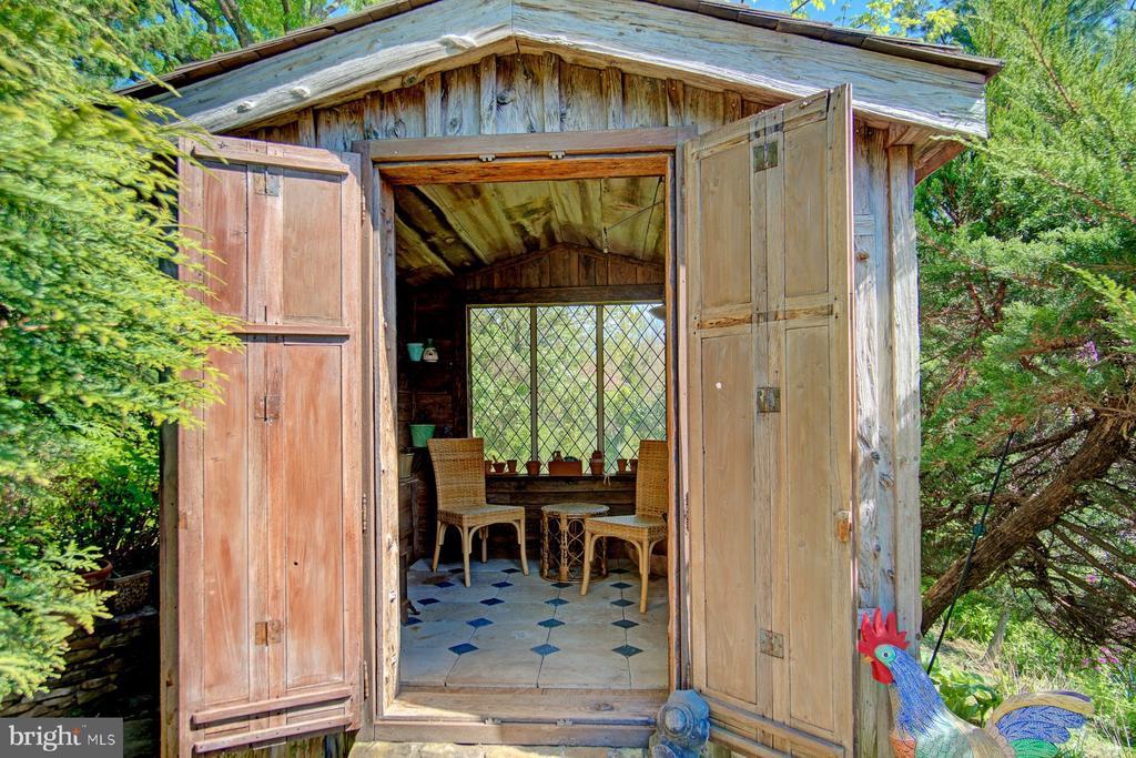 Garden Cottage - 40174 MAIN ST, WATERFORD