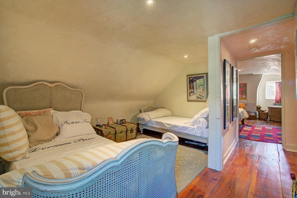 4th floor bedroom - 40174 MAIN ST, WATERFORD
