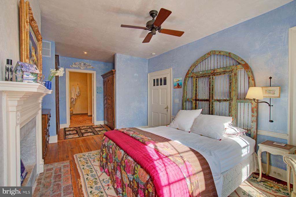 Second floor bedroom - 40174 MAIN ST, WATERFORD