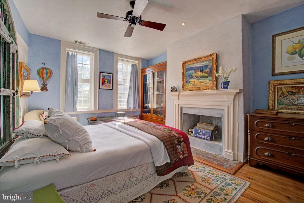 Bedroom - 40174 MAIN ST, WATERFORD