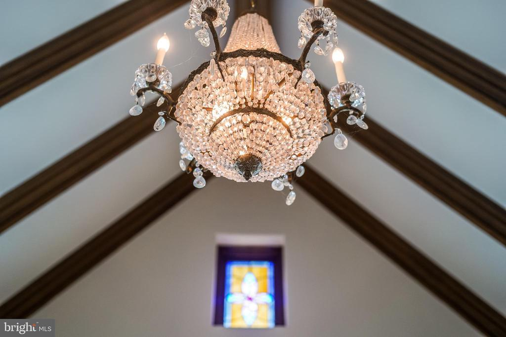 Master chandelier and stained glass - 869 CHILDS POINT RD, ANNAPOLIS