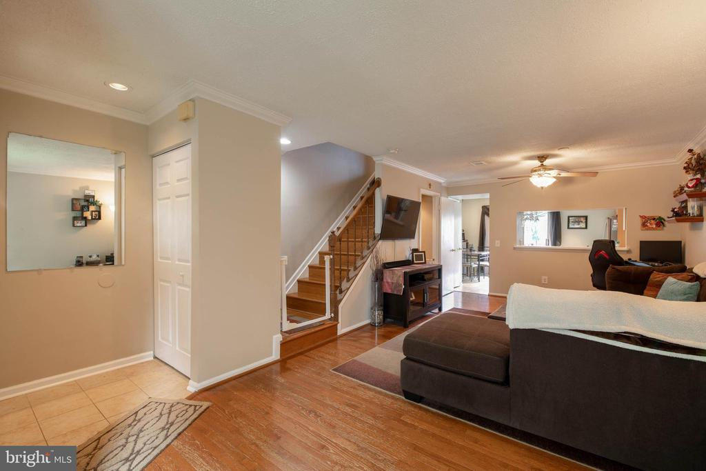 Enjoy hardwood floors on the main level - 9637 LAMBETH CT, COLUMBIA
