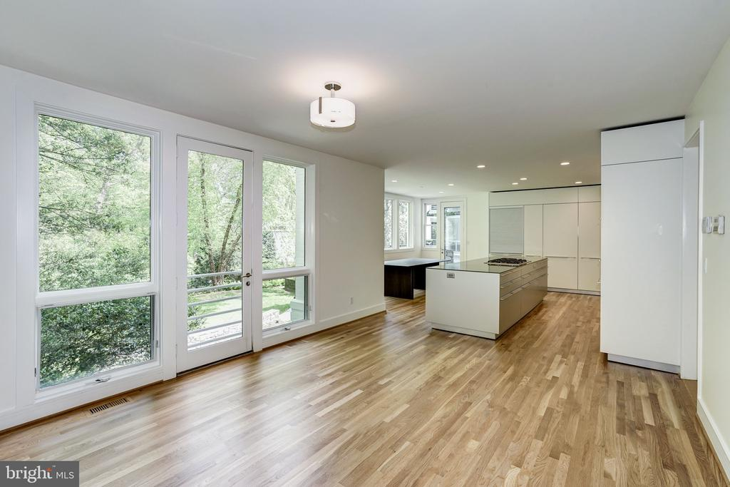Family  room open to Kitchen - 4101 LINNEAN AVE NW, WASHINGTON