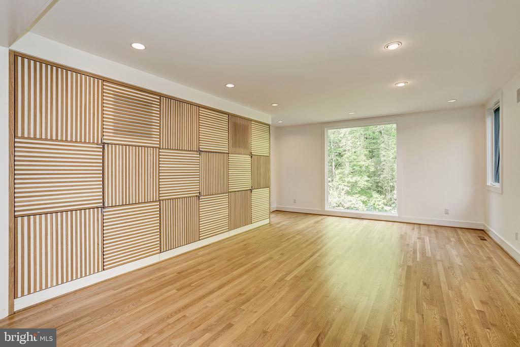 Main level family/media room - 4101 LINNEAN AVE NW, WASHINGTON