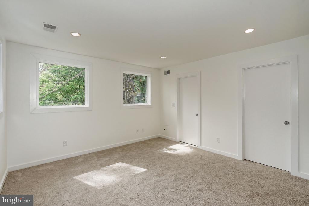 Bedroom 4 - 4101 LINNEAN AVE NW, WASHINGTON