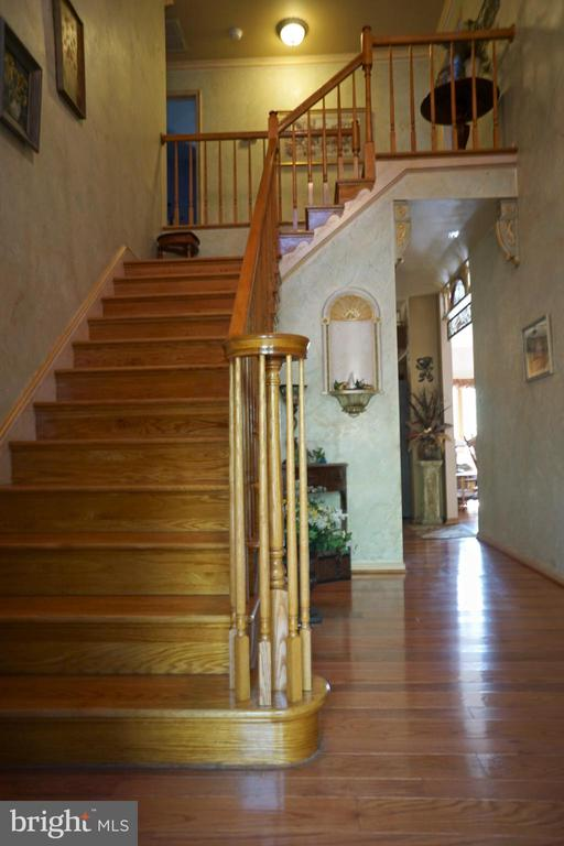 Foyer Front Stairs - 3970 PANHANDLE RD, FRONT ROYAL