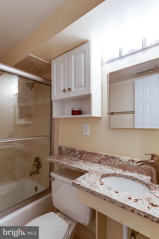 lower level full bath - 5523 BOUFFANT BLVD, ALEXANDRIA
