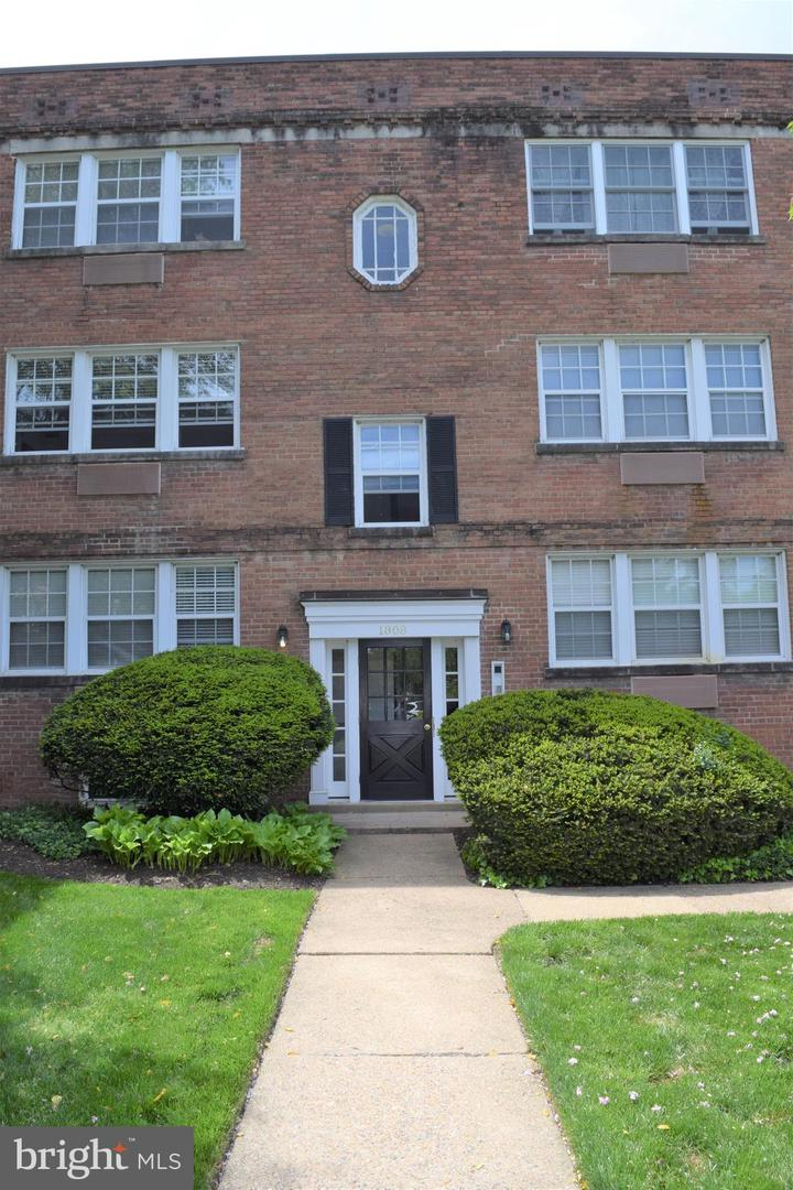 Other Residential for Rent at 1808 W Abingdon Dr #202 Alexandria, Virginia 22314 United States