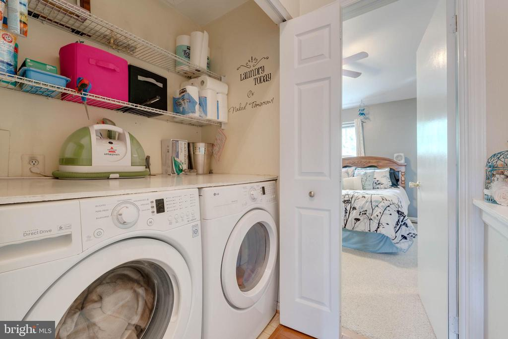 Laundry on bedroom level - 9637 LAMBETH CT, COLUMBIA