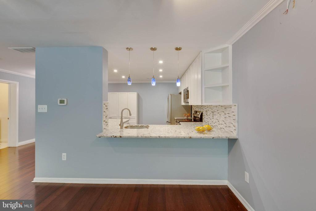 Beautiful renovated kitchen - 658 15TH ST S #A, ARLINGTON