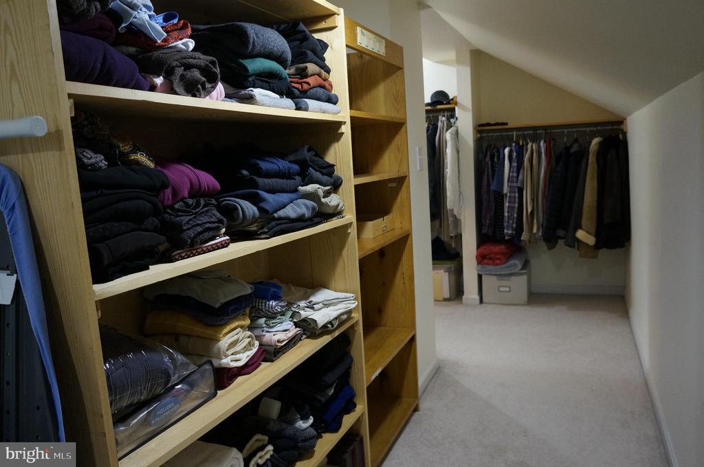 MB closet - 1406 WASHINGTON DR, STAFFORD