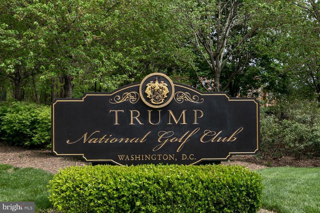Nearby Golf - 47643 PAULSEN SQ, STERLING