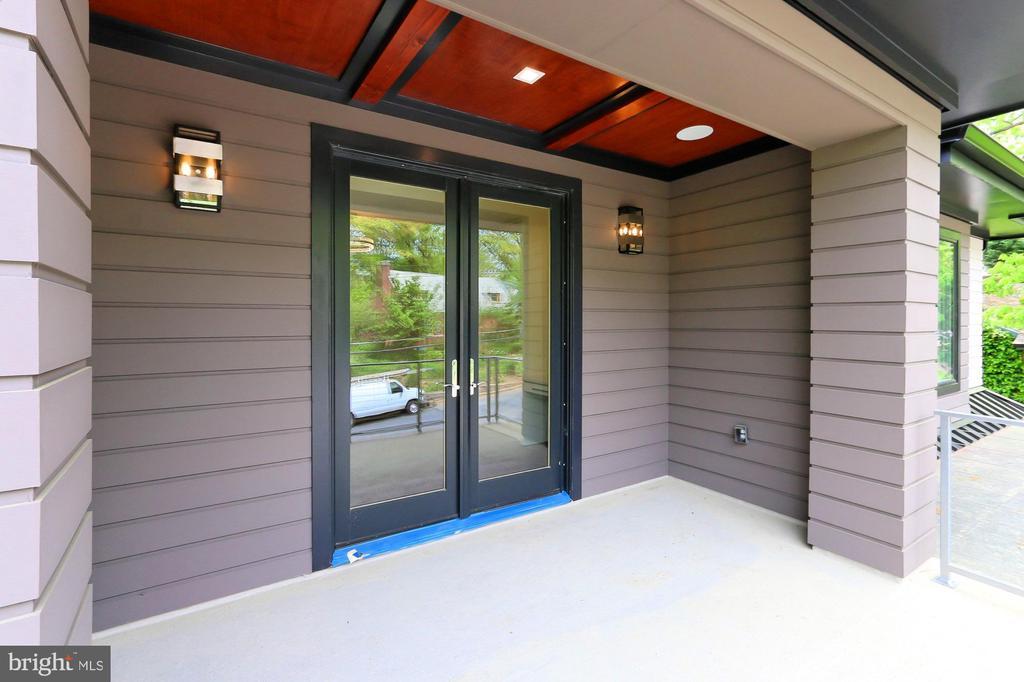 Porch - 3036 N POLLARD ST N, ARLINGTON