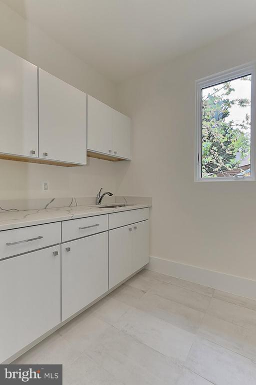 Laundry  room/ upper level - 3036 N POLLARD ST N, ARLINGTON