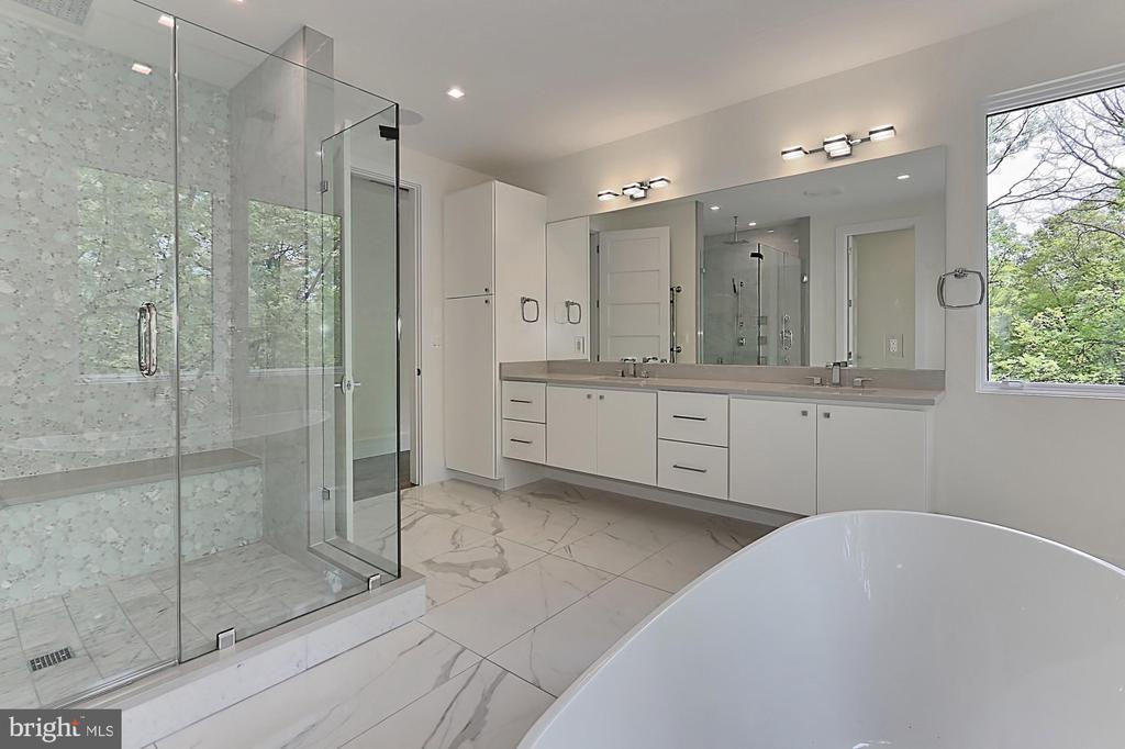 Master bathroom - 3036 N POLLARD ST N, ARLINGTON