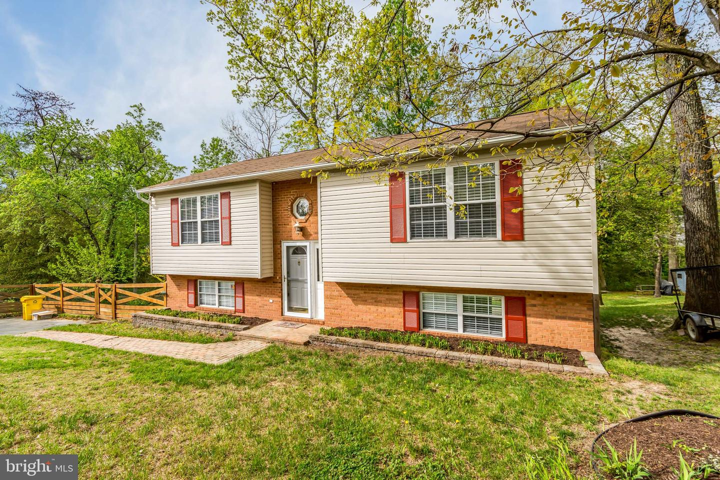 Single Family for Sale at 7714 Grace Ave Pasadena, Maryland 21122 United States