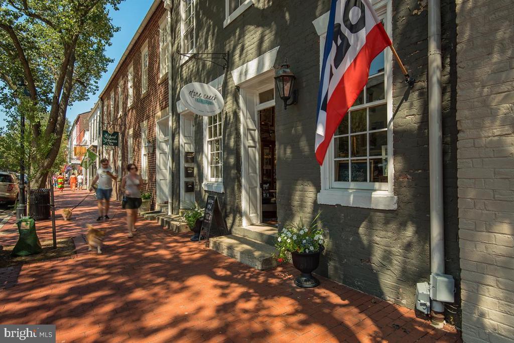 downtown Fredericksburg - 6016 GREENSPRING RD, FREDERICKSBURG
