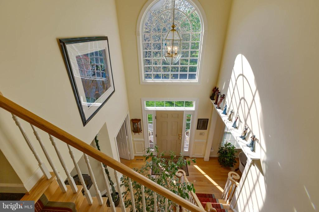 Let in the Sunshine - 8237 GALLERY CT, MONTGOMERY VILLAGE
