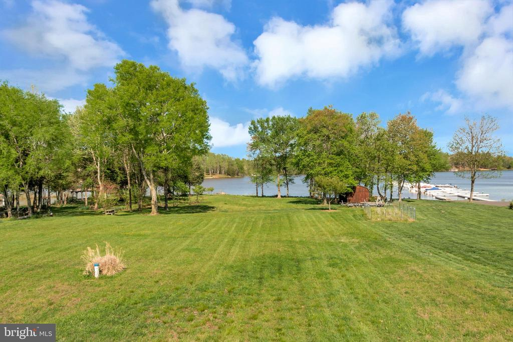 Nice level yard for family fun - 26515 PENNFIELDS DR, ORANGE