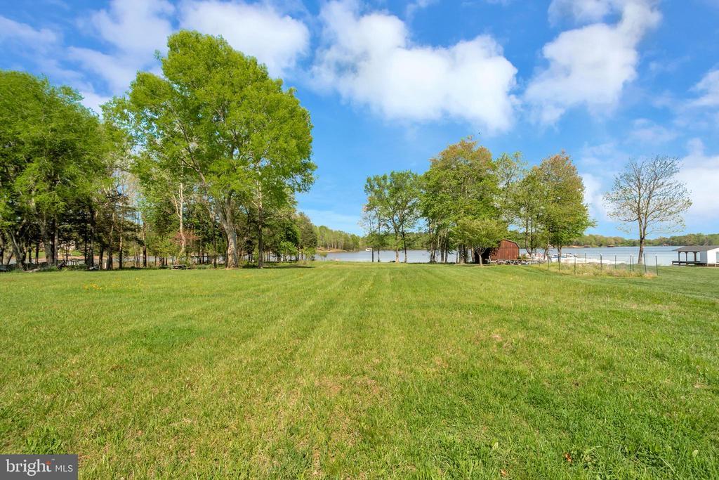 Huge back yard for your enjoyment - 26515 PENNFIELDS DR, ORANGE