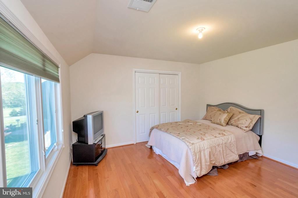 A room with a view - 26515 PENNFIELDS DR, ORANGE