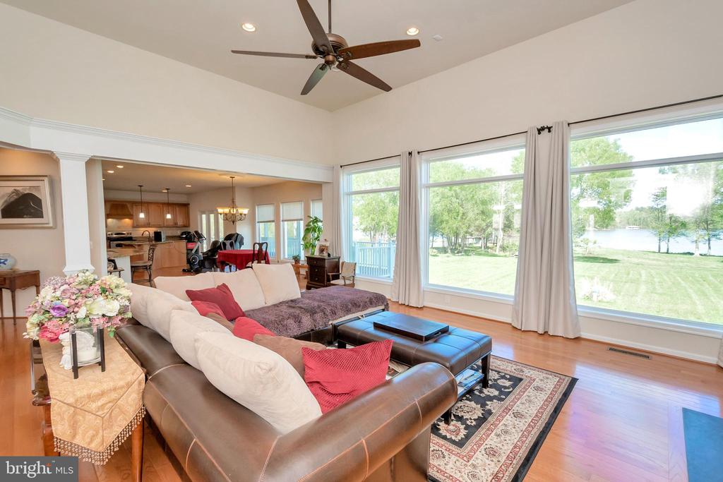 Relax on the sofa and take in the water views - 26515 PENNFIELDS DR, ORANGE