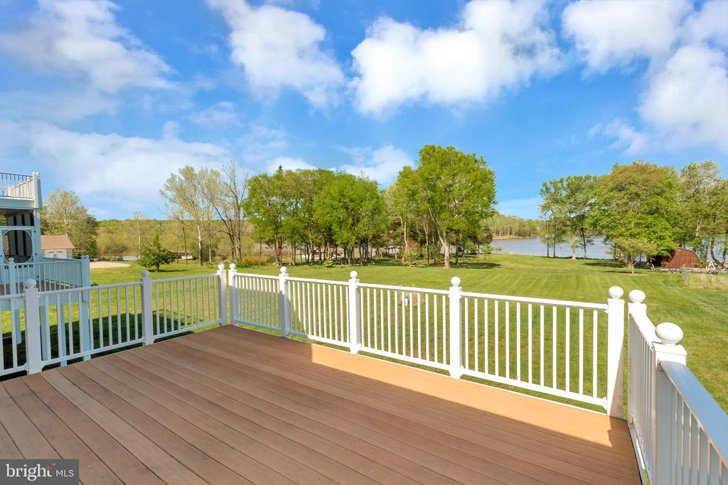 How about a deck party? - 26515 PENNFIELDS DR, ORANGE