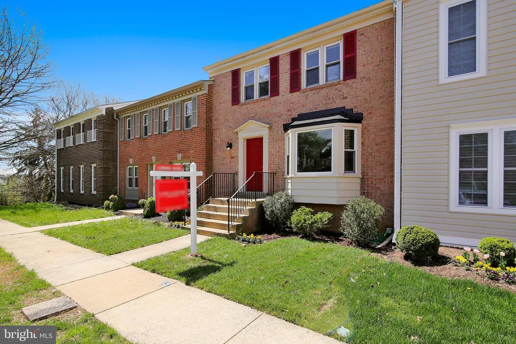 Front of your new home - 9130 BOBWHITE CIR, GAITHERSBURG