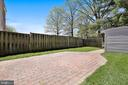 Paver patio in fenced, rear yard. Perfect for ente - 9130 BOBWHITE CIR, GAITHERSBURG