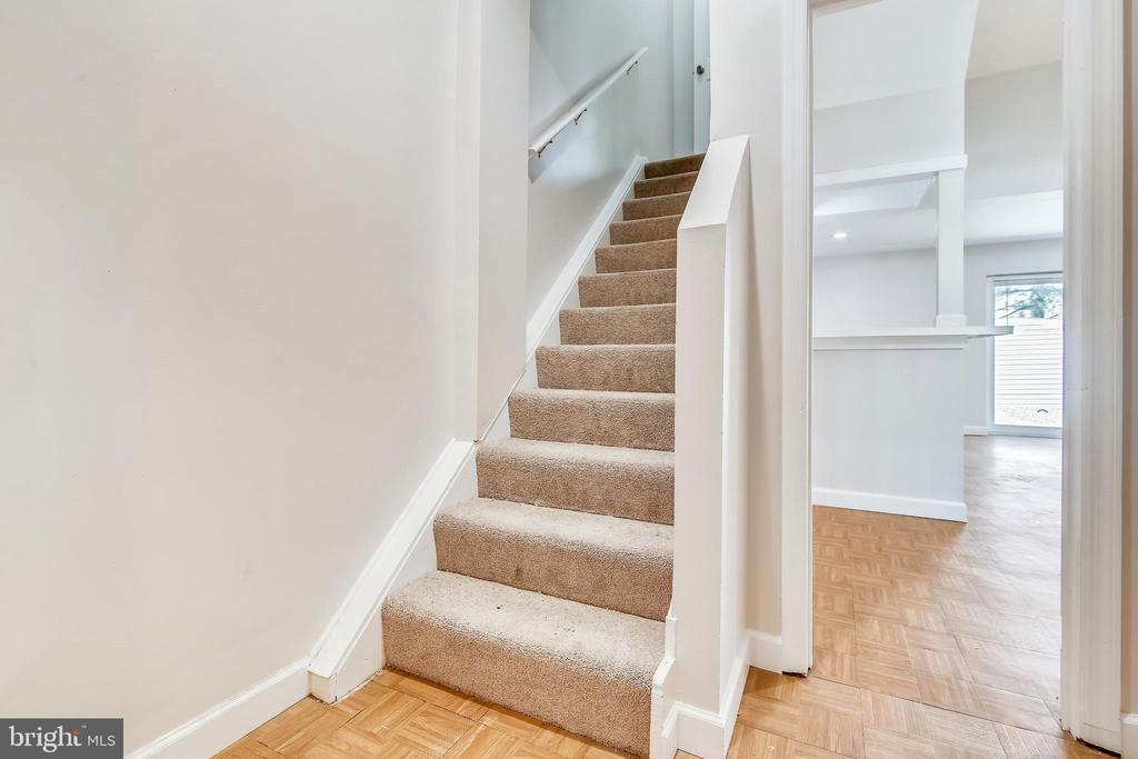 New Carpet on stair & upper level - 9130 BOBWHITE CIR, GAITHERSBURG