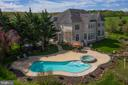 Pool and spa areas - professional landscaping - 17160 SPRING CREEK LN, LEESBURG