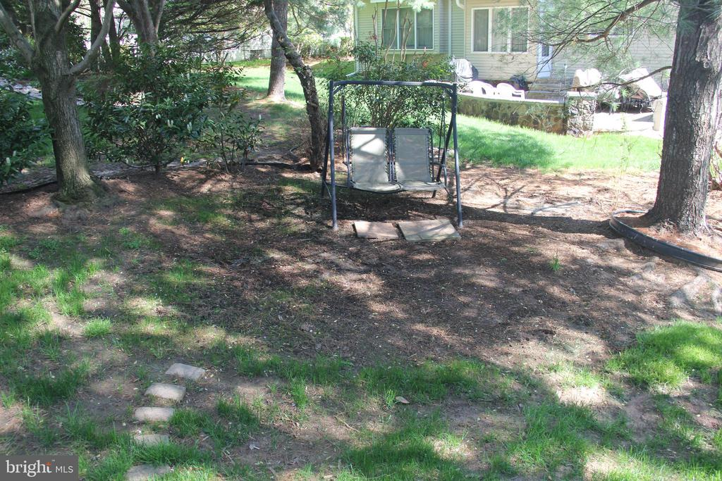 relax in your backyard - 47177 TIMBERLAND PL, POTOMAC FALLS