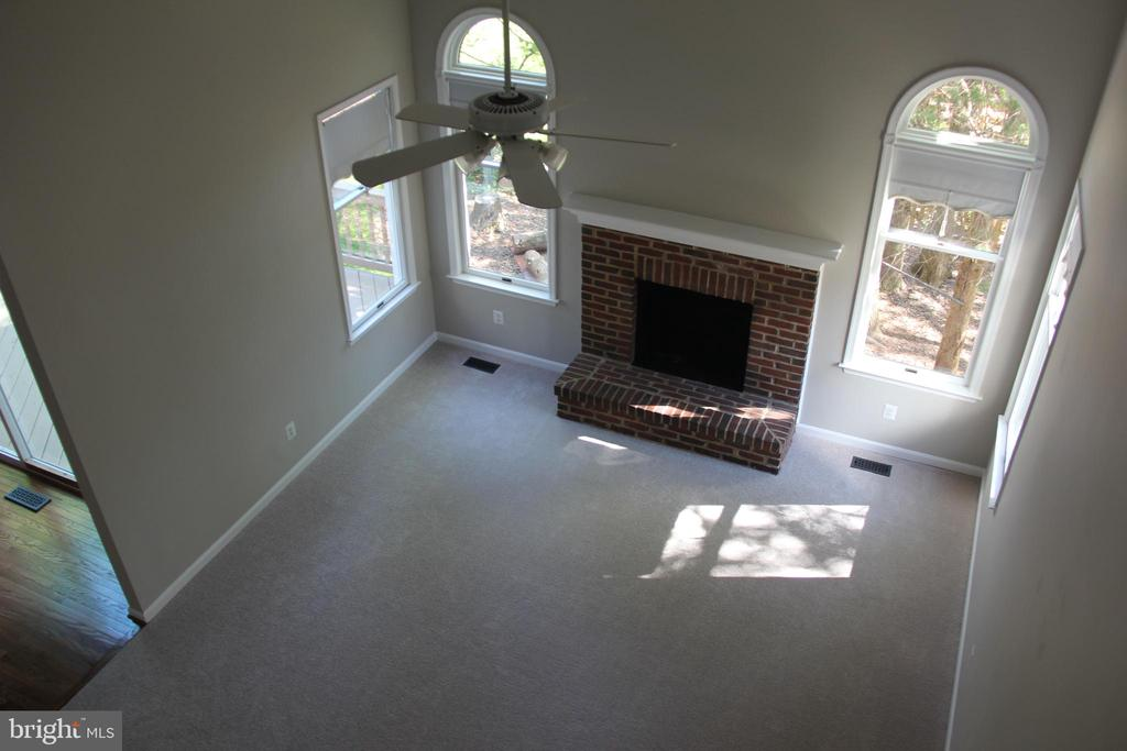 overlook to family room - 47177 TIMBERLAND PL, POTOMAC FALLS
