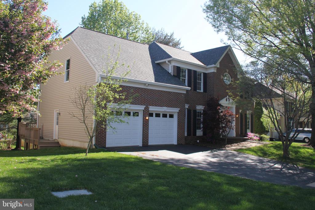 Welcome Home! - 47177 TIMBERLAND PL, POTOMAC FALLS